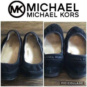 MICHAEL KORS BLACK SIZE 7.5 SUEDE FLATS ⭐️